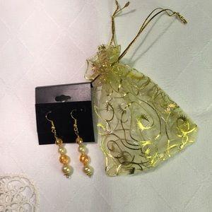🌺 Beaded glass pearls drop earrings
